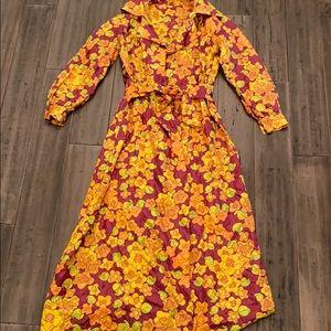 Vintage 70s flower power housecoat/ dressing gown